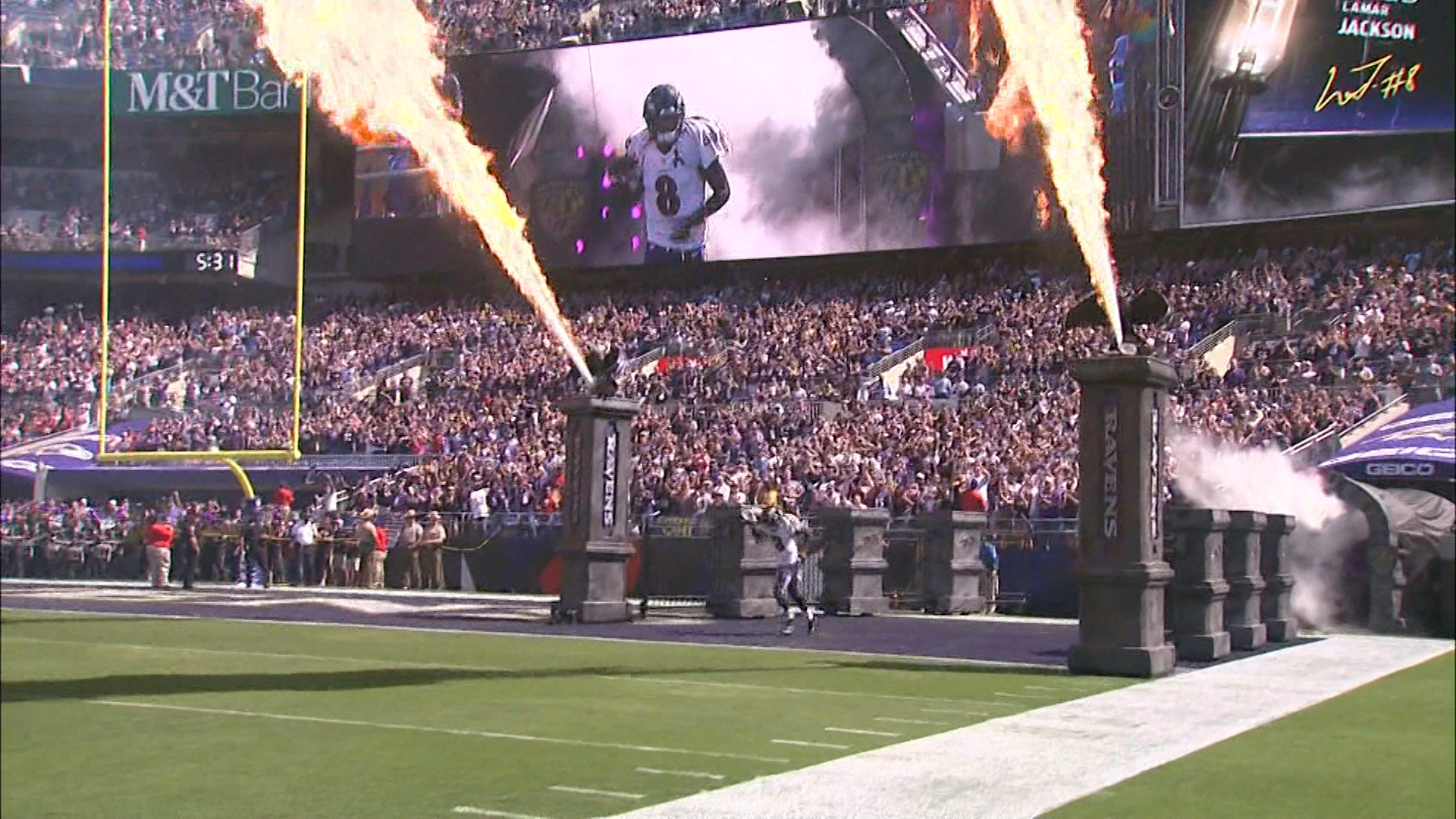 Lamar Jackson leads the Ravens onto field for home opener
