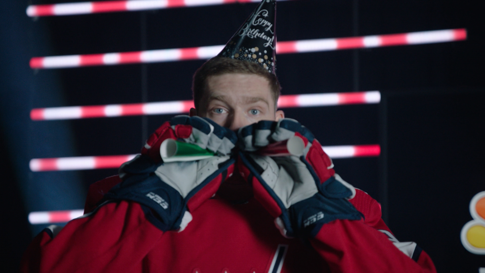 Evgeny Kuznetsov Mic'd Up: Kuzy praised for helping out the young guys