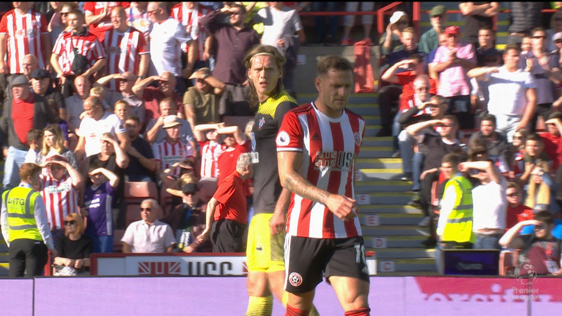 Billy Sharp receives red card for leg kick