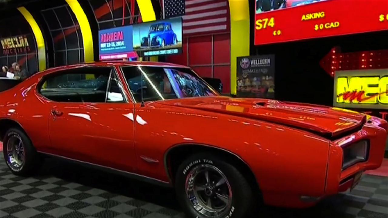 2014 mecum auto auctions in chicago nbc sports. Black Bedroom Furniture Sets. Home Design Ideas
