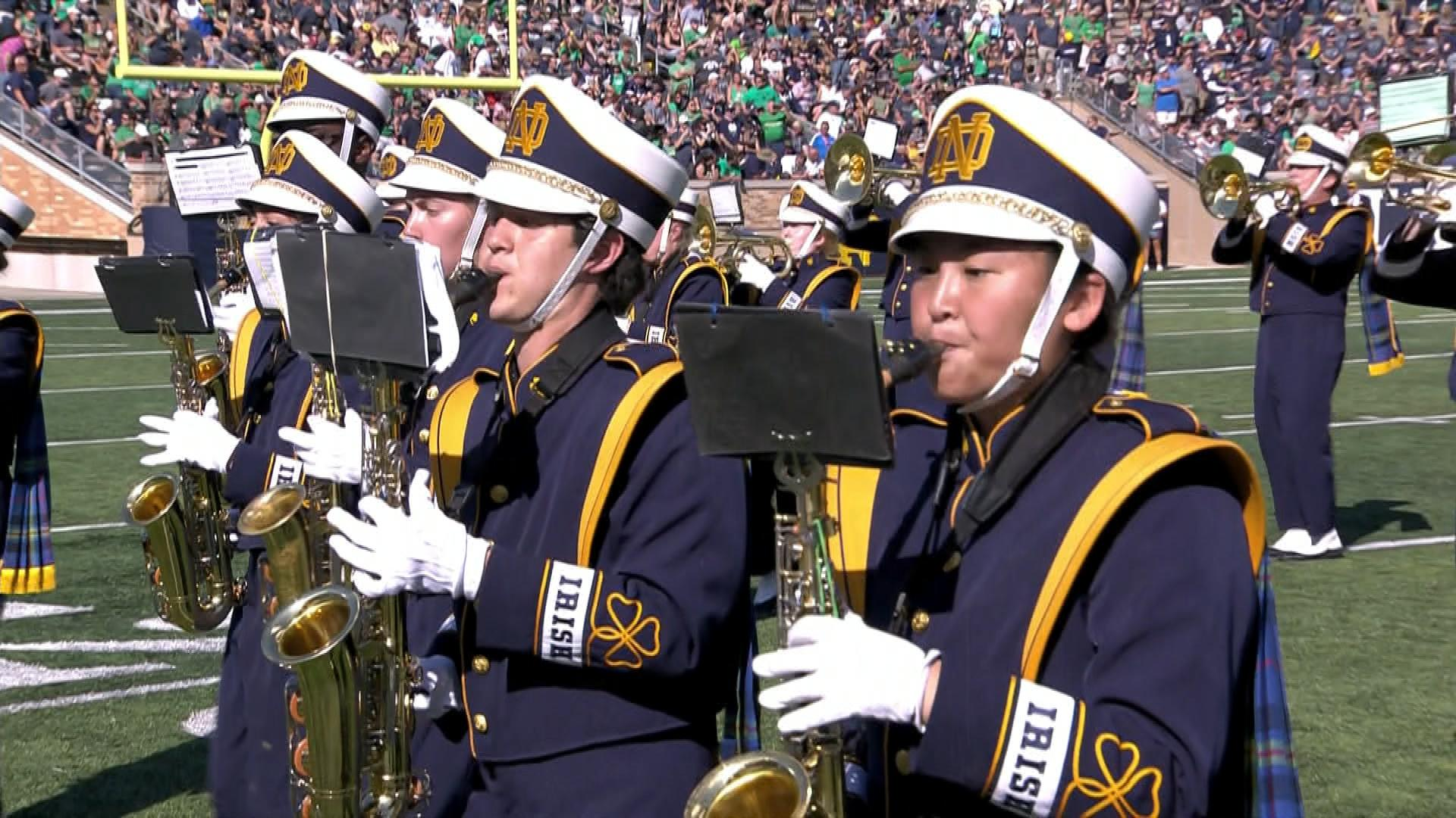 Notre Dame band plays summer pop hits in New Mexico halftime