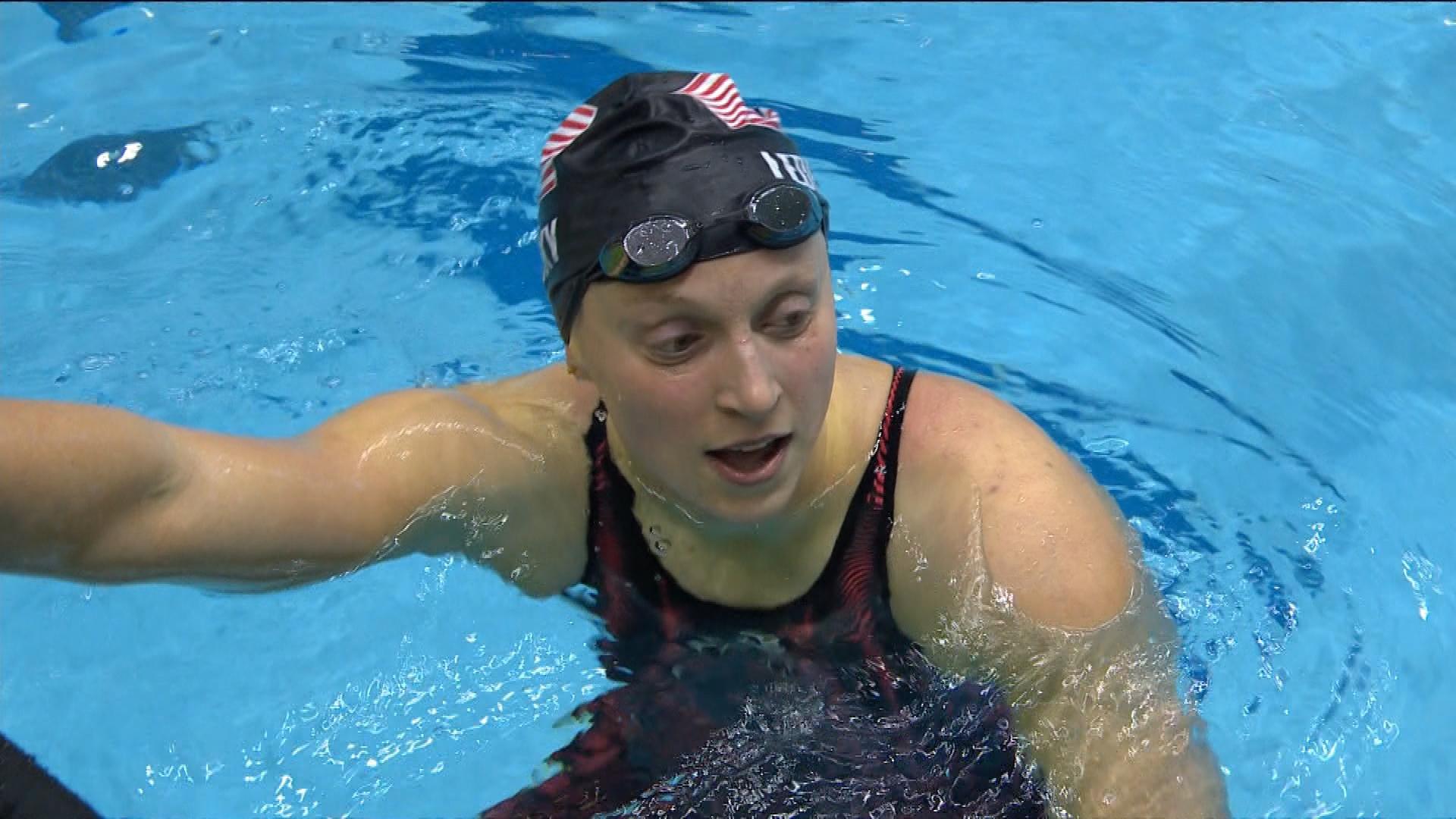 Katie Ledecky roars to 400m IM win