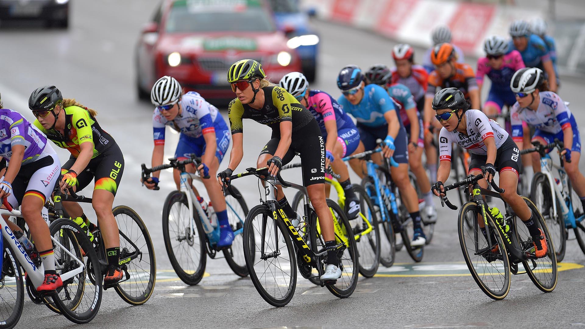 Chloe Hosking wins Stage 2 at 2019 Madrid Challenge