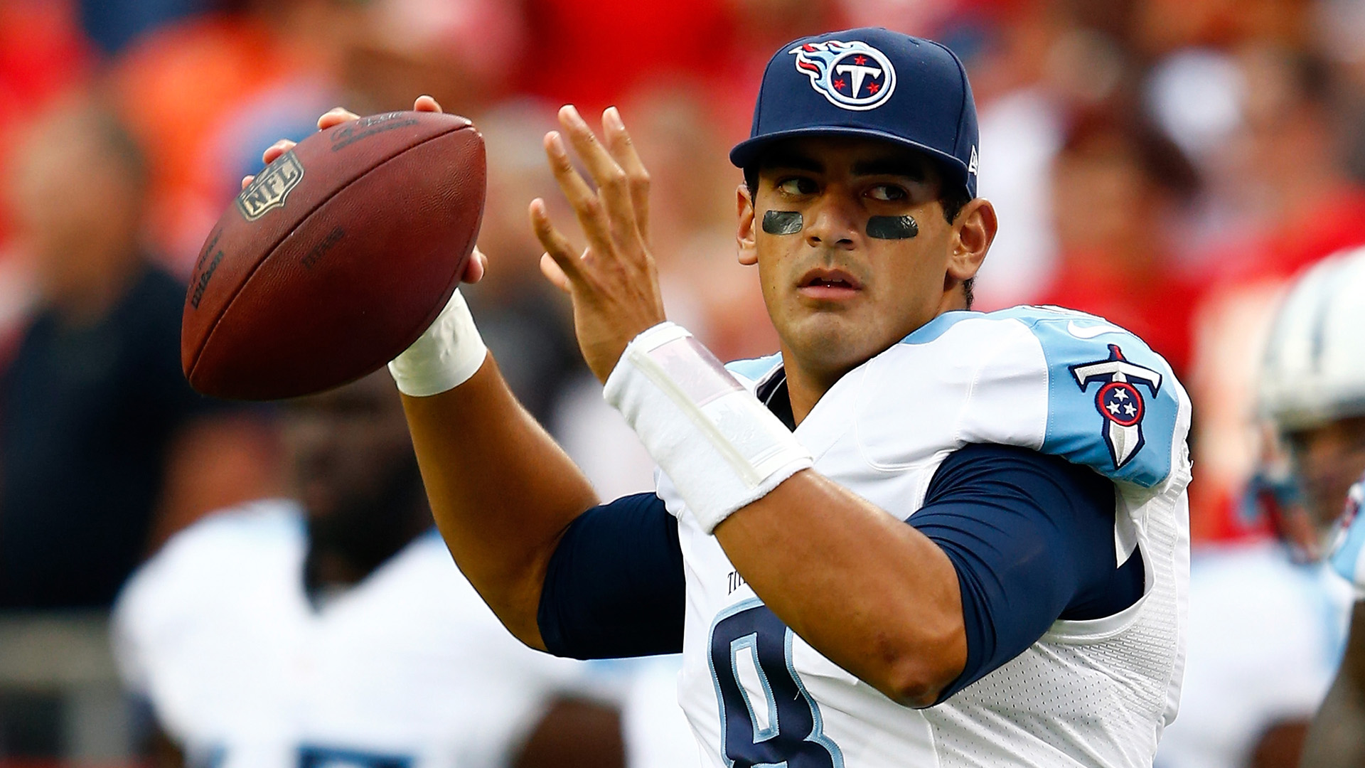 Titans' Mike Vrabel not committing to Marcus Mariota long term