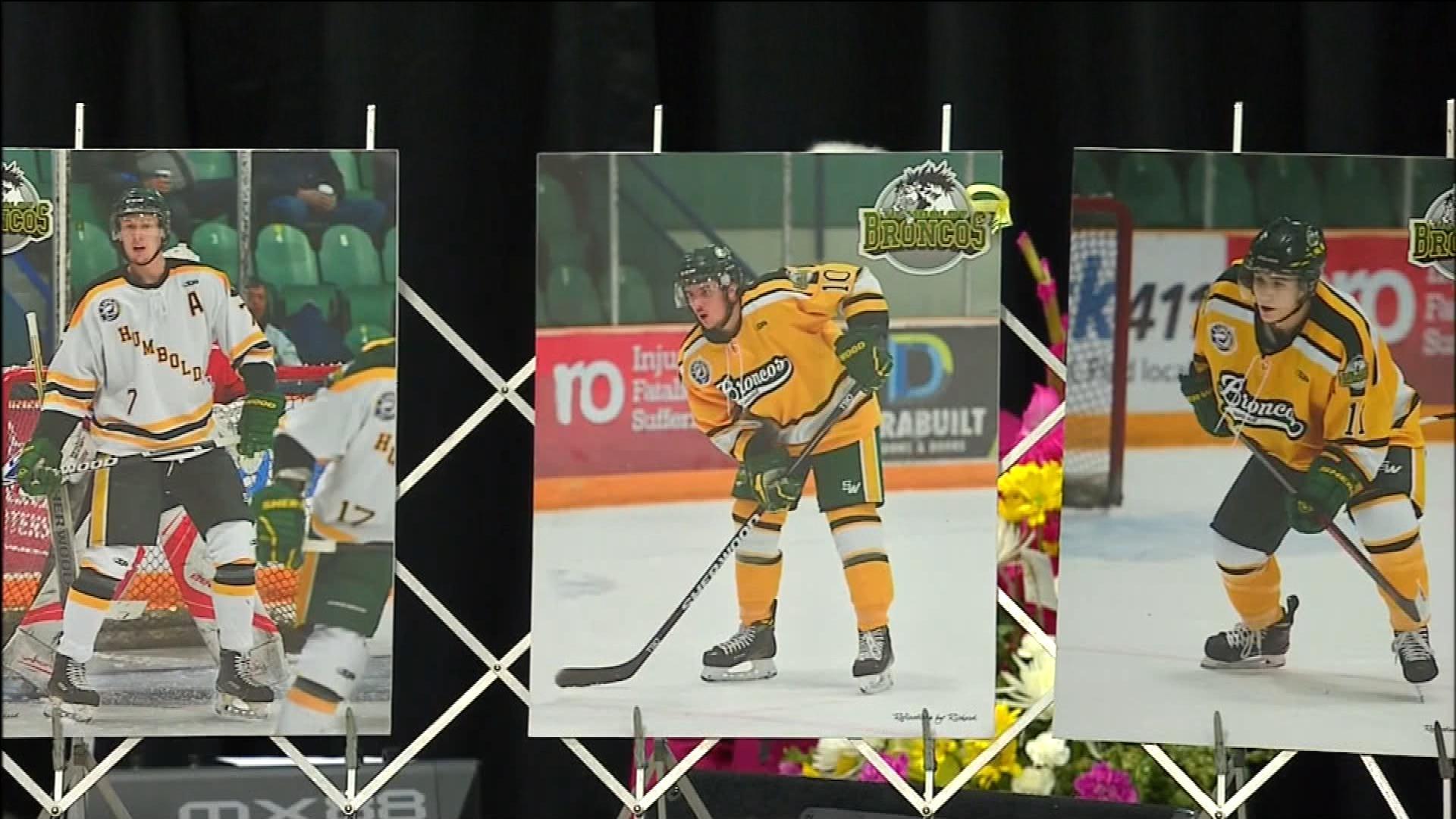 NHL, hockey community supporting Humboldt Broncos