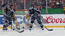 2dee8d34363 Blackhawks' Dominik Kahun scores off deflection, takes lead over Bruins
