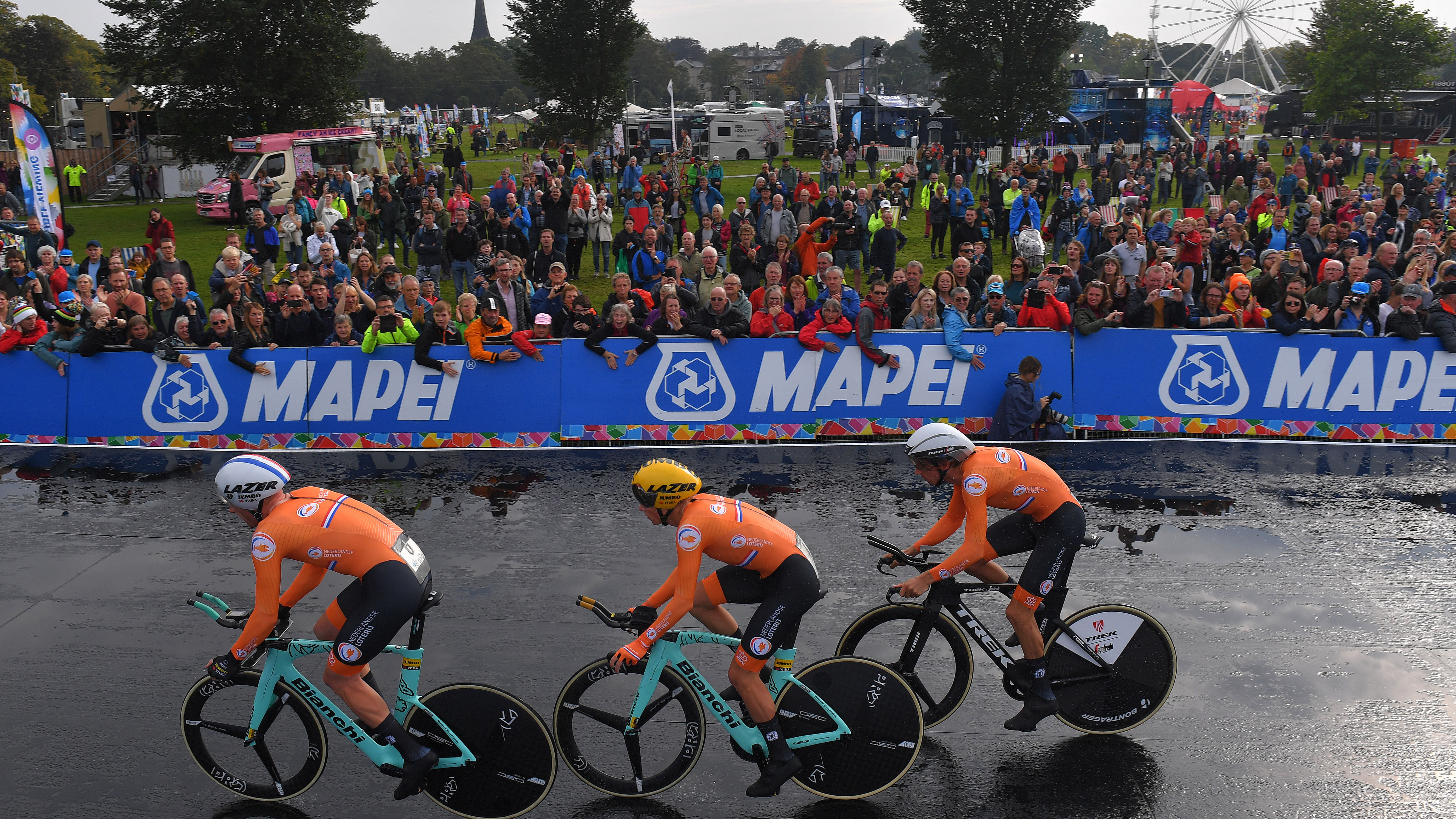 Netherlands win World Championships team time trial mixed relay