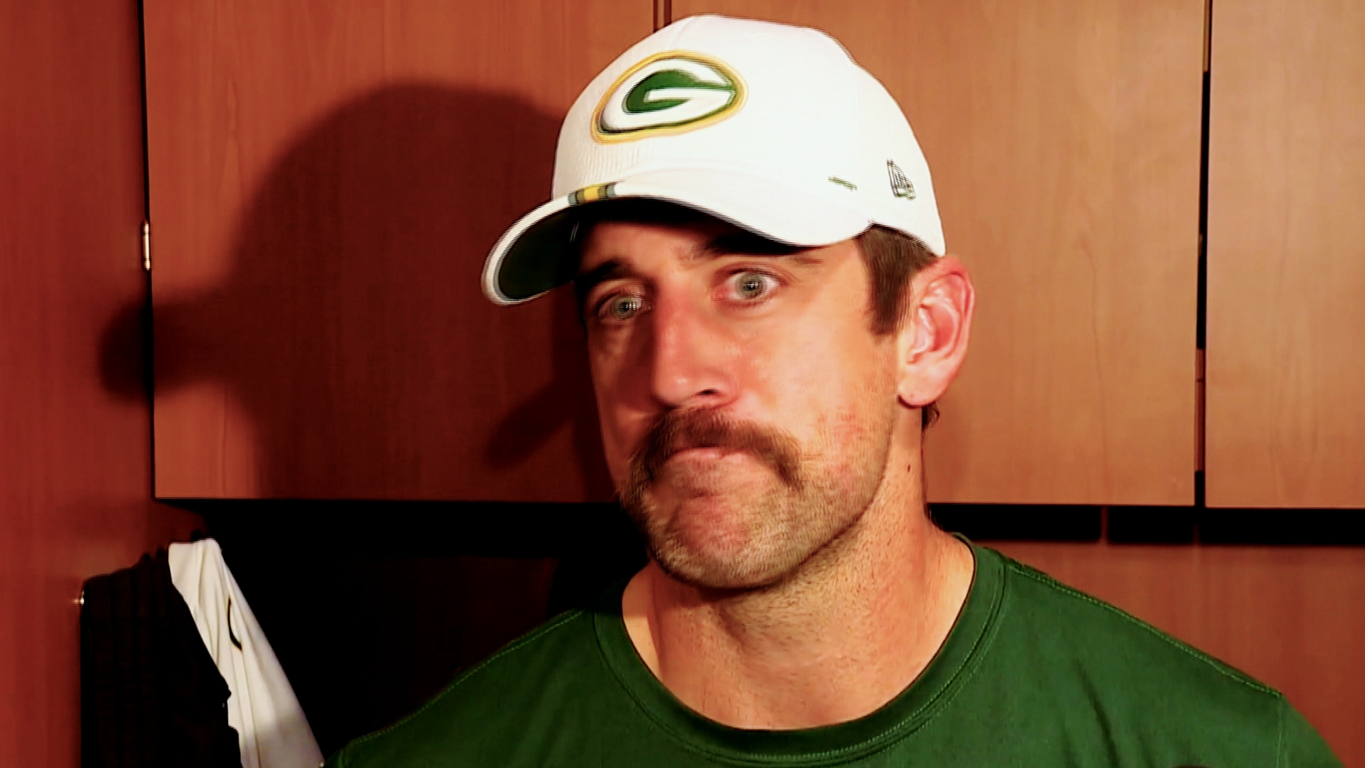 Aaron Rodgers criticizes media for promoting 'clickbait'