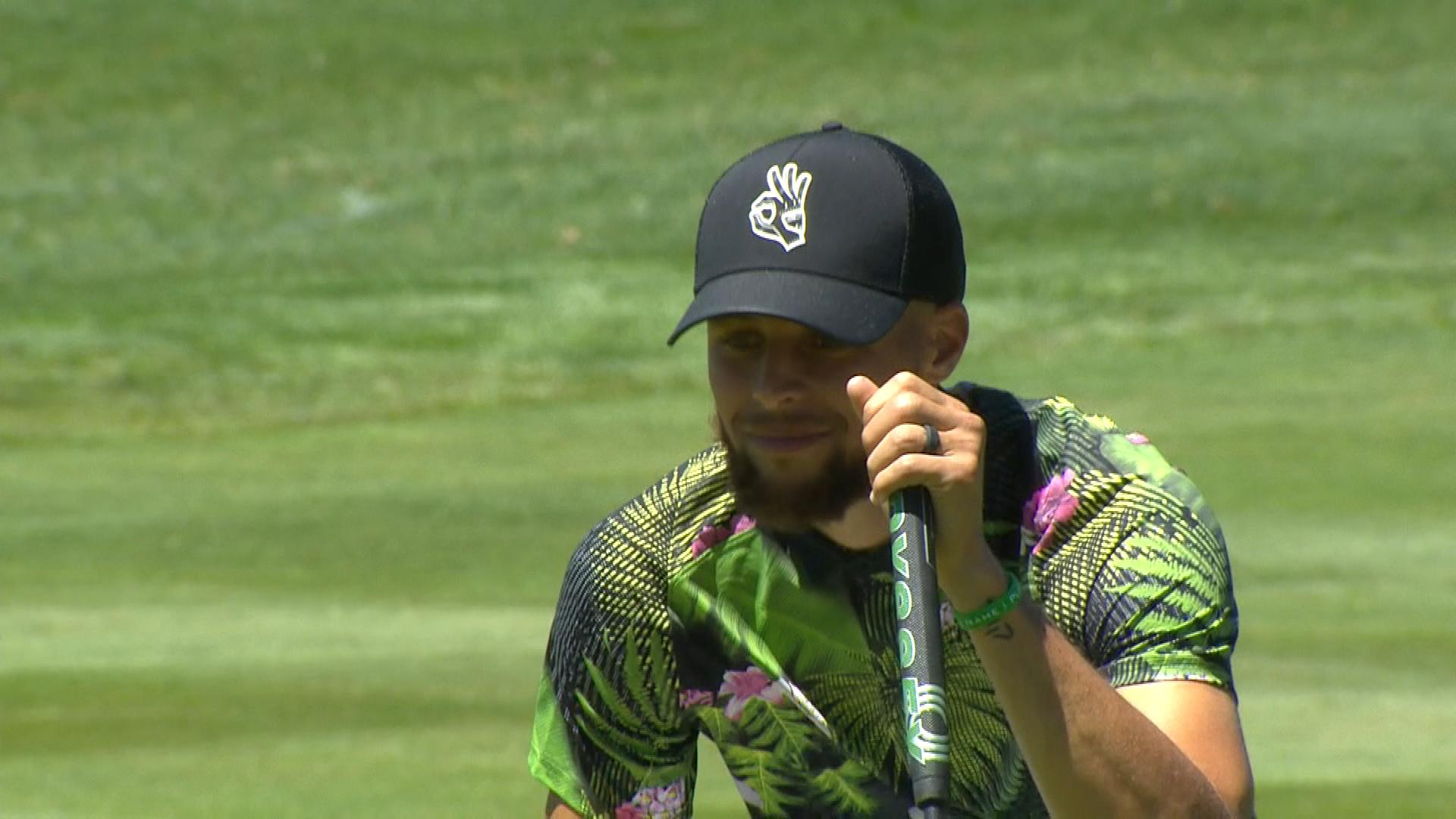 Steph Curry makes birdie on the 18th hole, defeats his father Dell