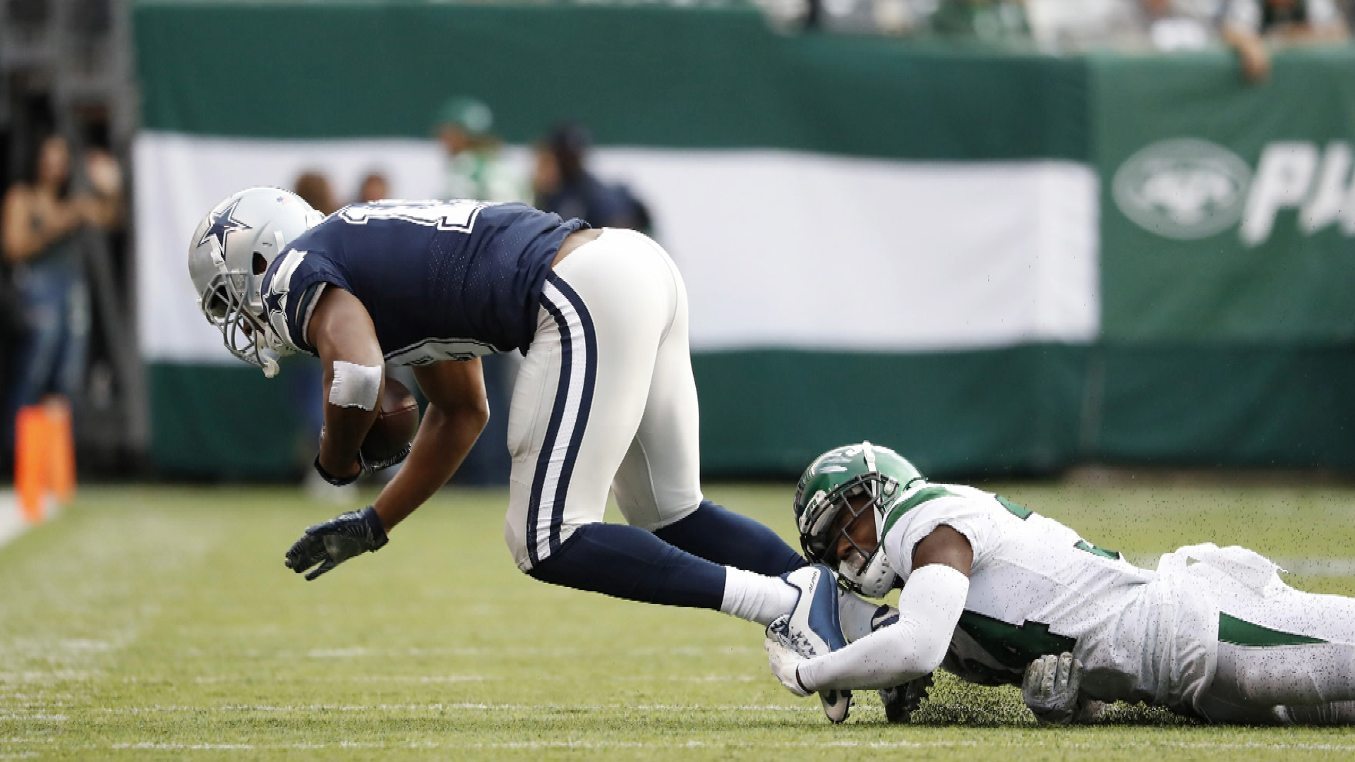 Cowboys' Amari Cooper in a lot of pain after loss to Jets