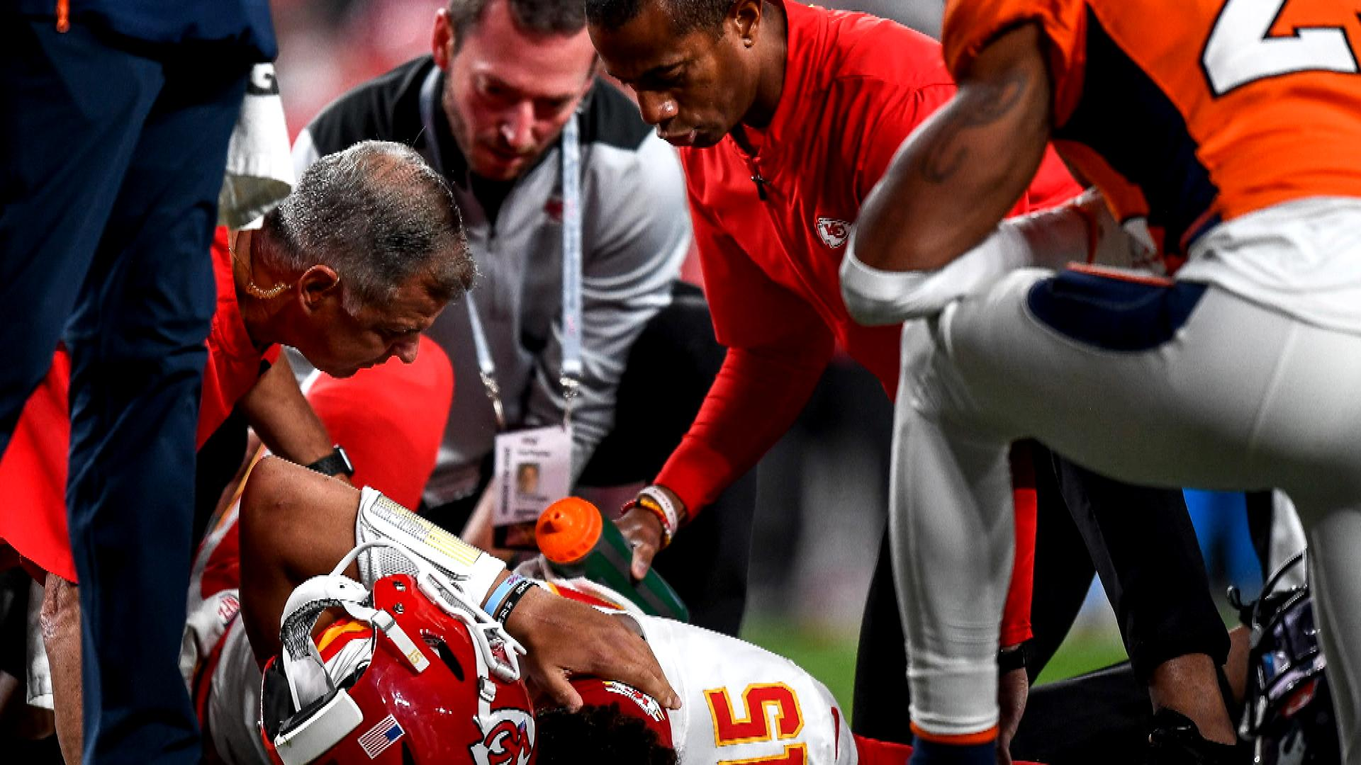 Chiefs will start Matt Moore vs. Packers in Week 8 without Patrick